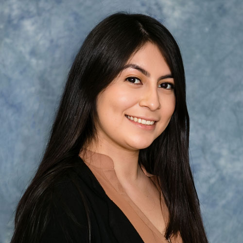 Cynthia Campos